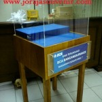 meja display BCA